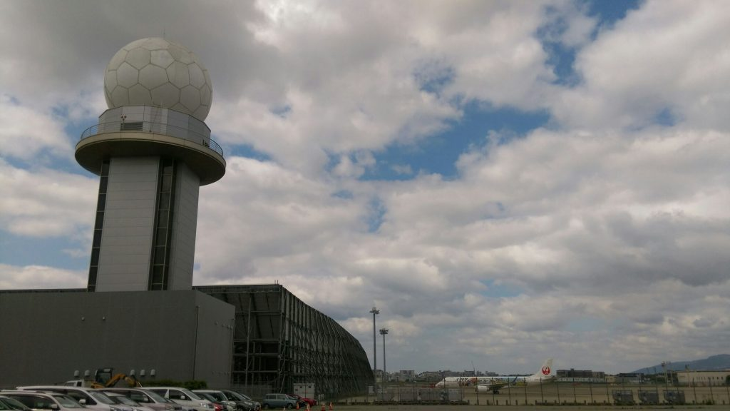 大坂伊丹空港ミニヨン飛行機2