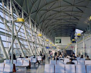 伊丹空港は自然光が一杯